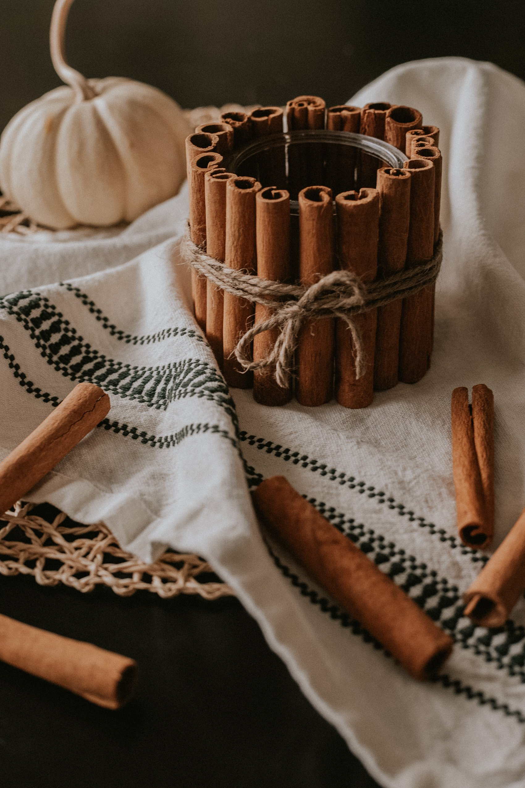 Easy Holiday DIY Candle Holder, Cinnamon Stick Tea Light Candle Holder
