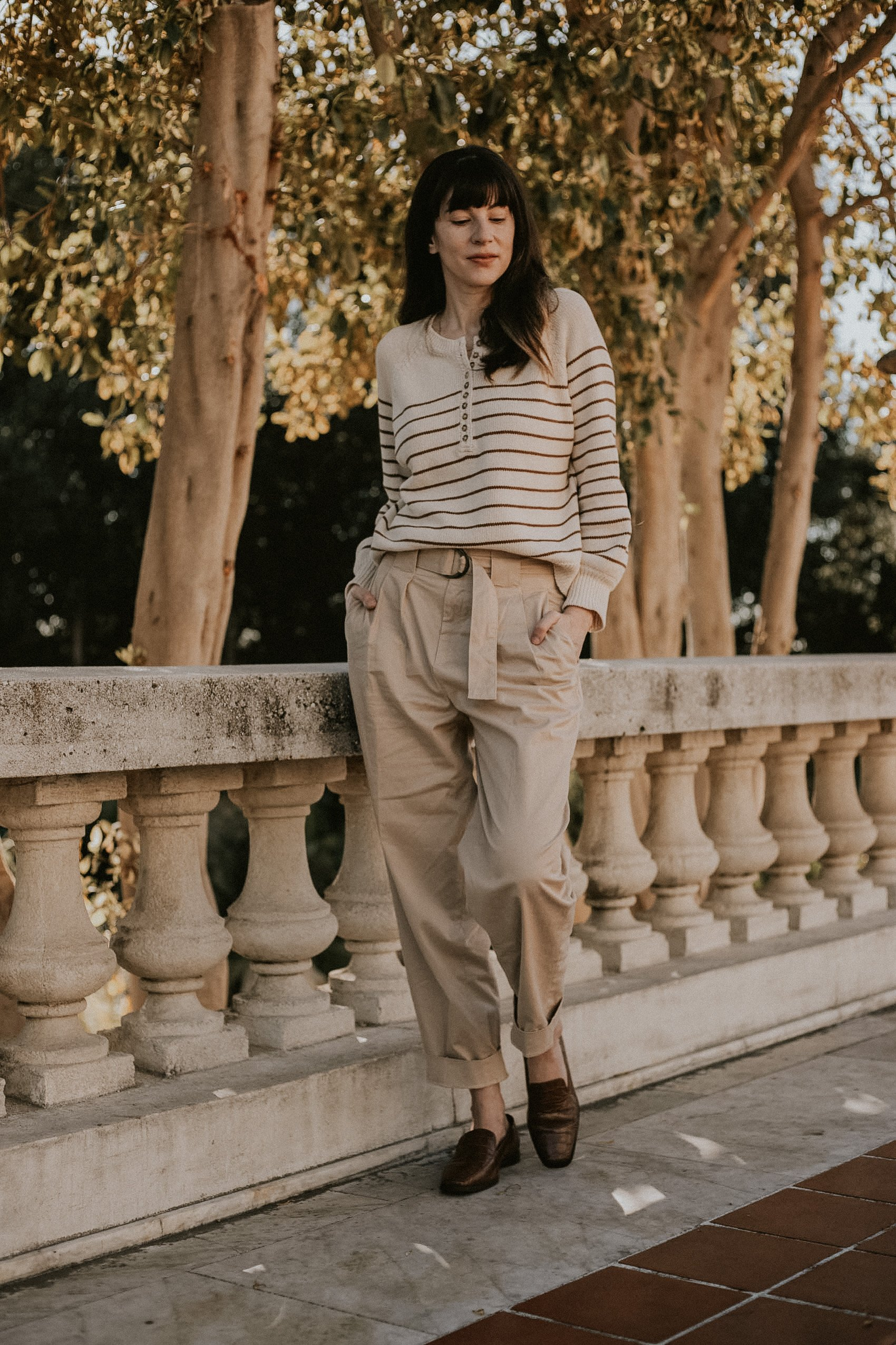 Neutral winter outfit on Los Angeles Fashion Blogger at the Huntington Library