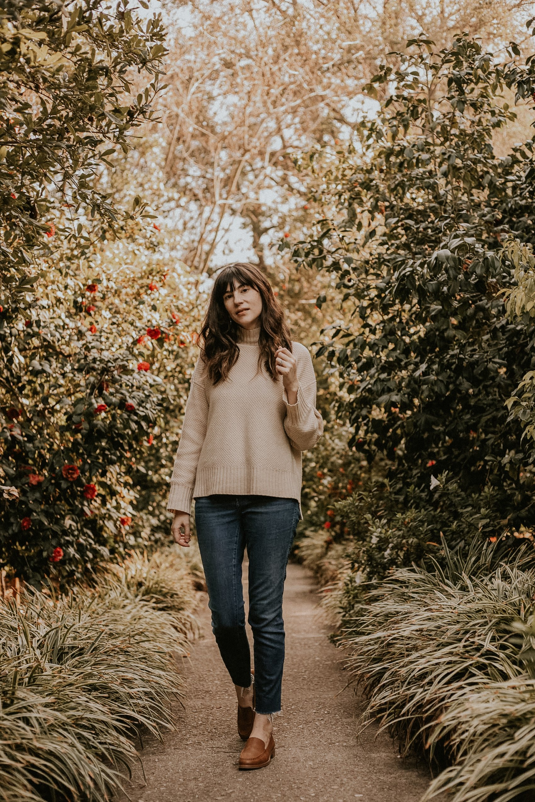 Everlane Oversized Stroopwafel Turtleneck Sweater Review and New Modern Loafer Review, Everlane outfit on fashion blogger in woods at Huntington Garden