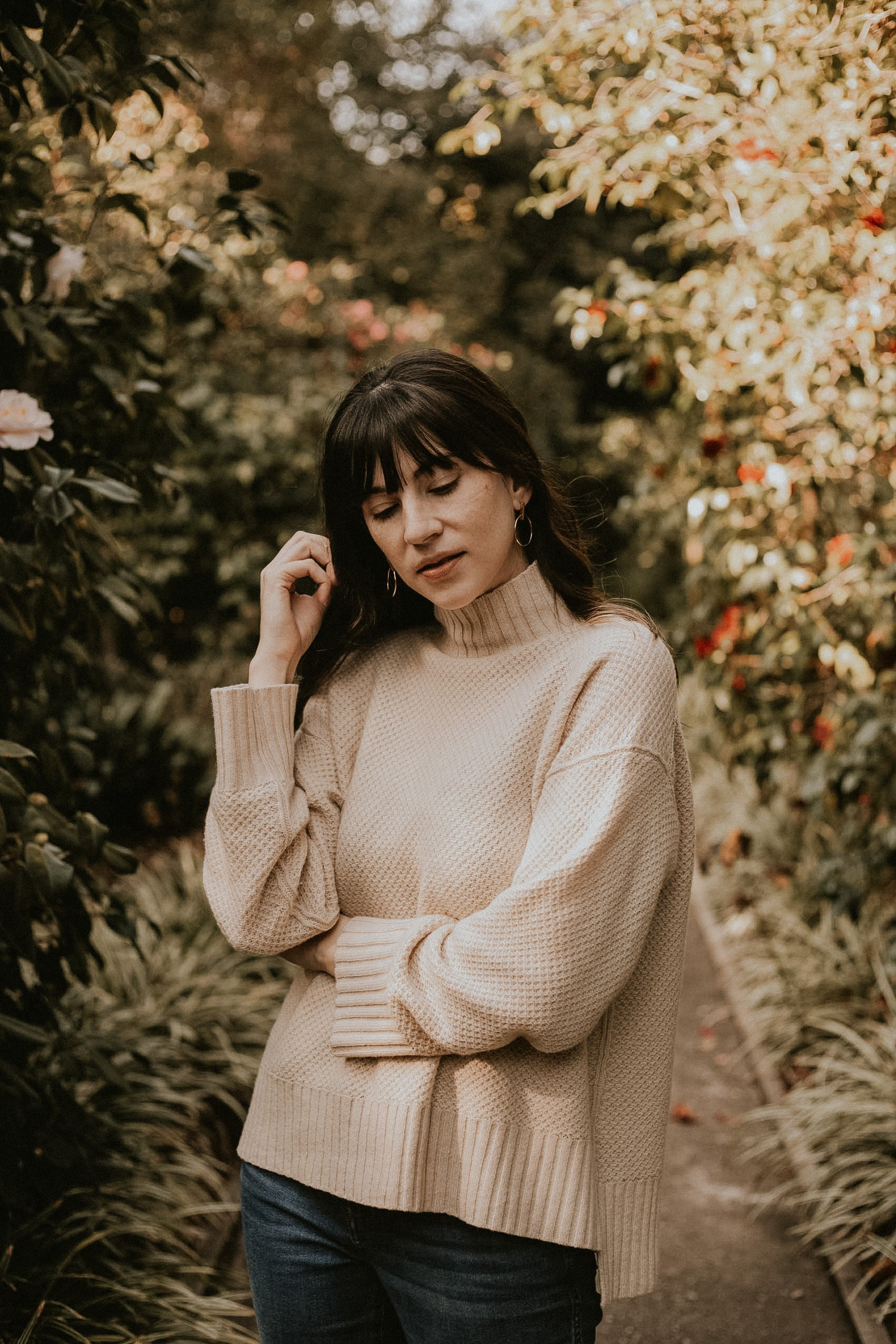 Everlane Renew Cashmere Stroopwafel Sweater with Aurate Jewelry on Los Angeles Fashion Blogger at Huntington Gardens in Pasadena