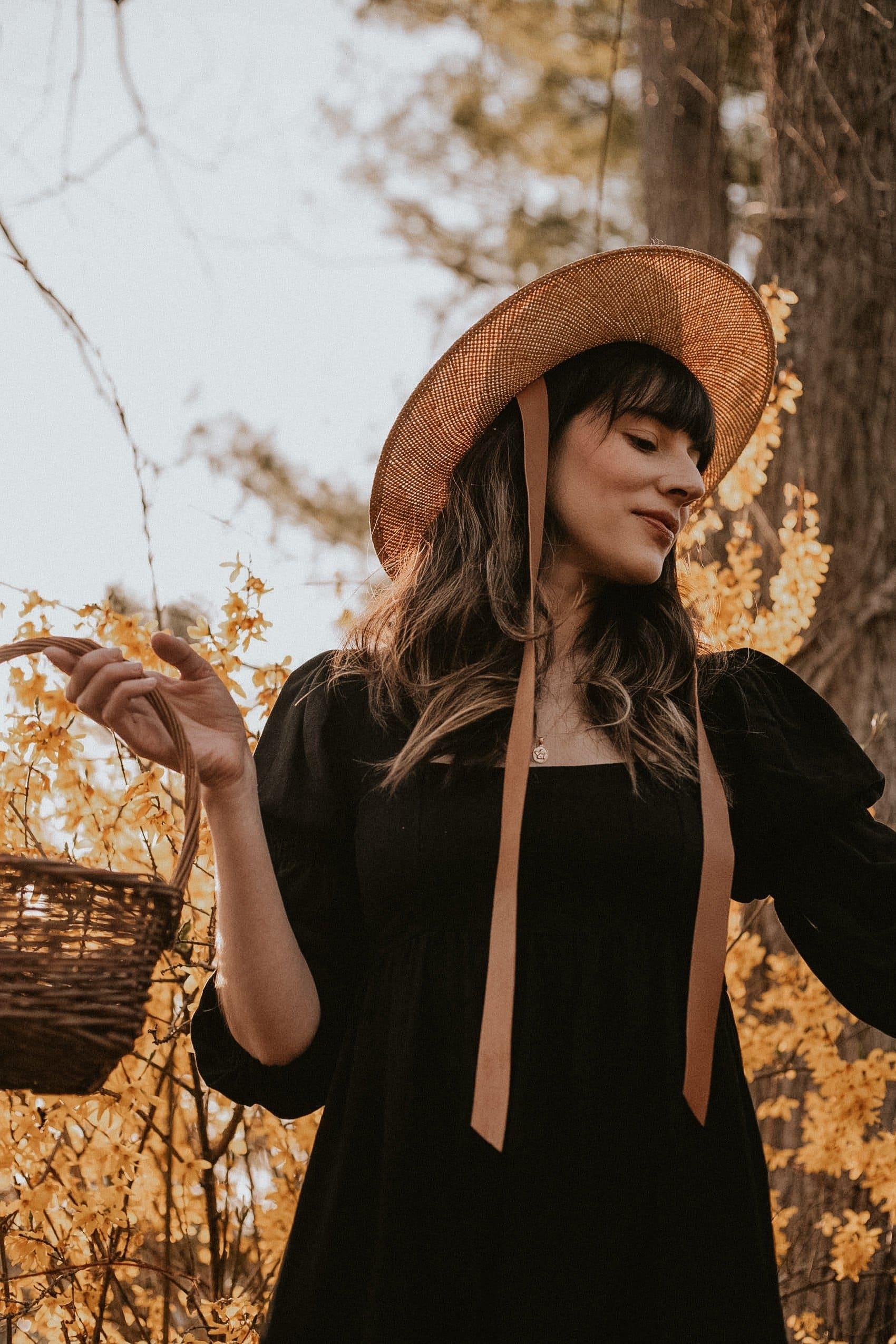 Janessa Leoné Hat with Linen Doreen Dress