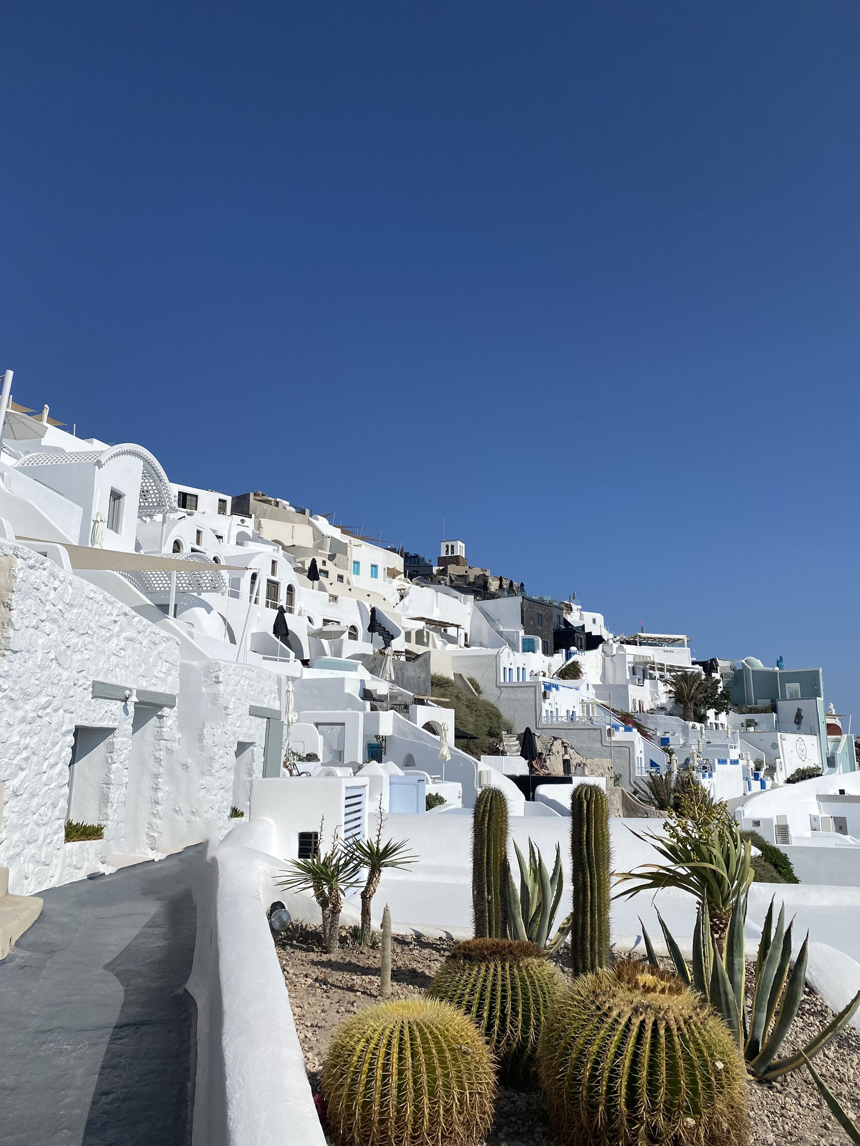 Where to stay on Santorini: Imerovigli